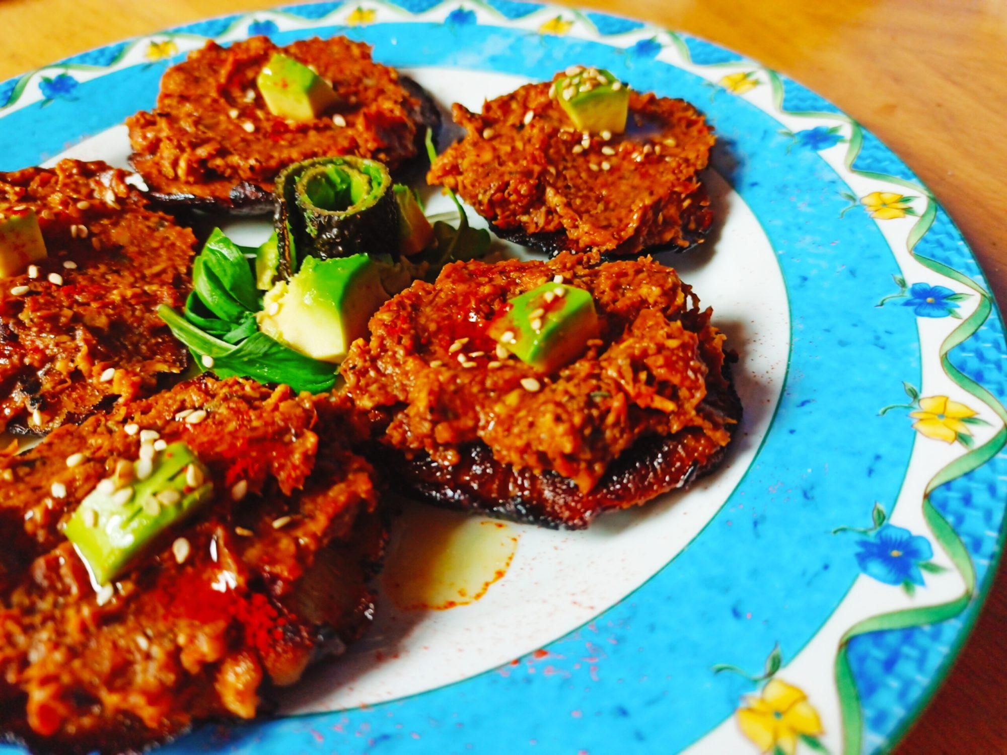 Shiitake rellenas de tomate seco